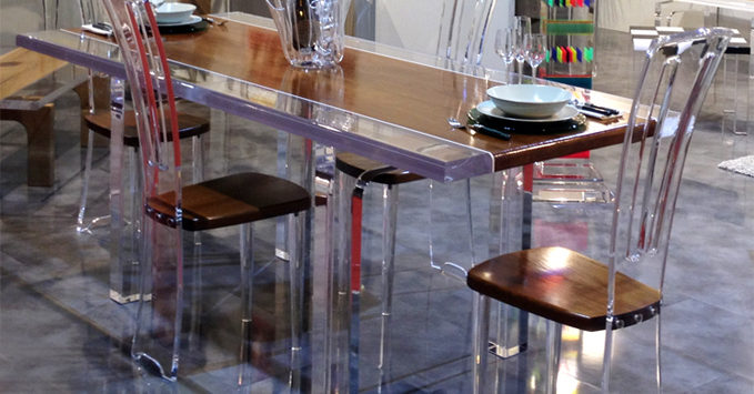 Tavolo da pranzo in plexiglass Stripes
