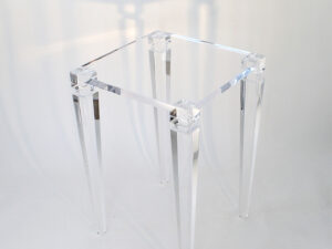 Cocktail table in plexiglass Afrodite